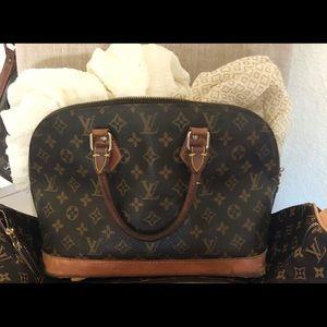 Louis Vuitton handbag AUTHENTIC!! EDUCATE!